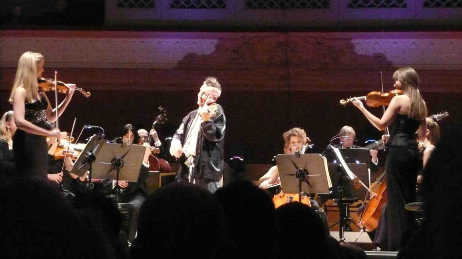 Lizzie Ball (left) and Nigel Kennedy (centre) live four seasons shot